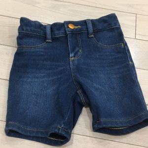 5/$25🍭Old Navy Toddler Denim Shorts 2T